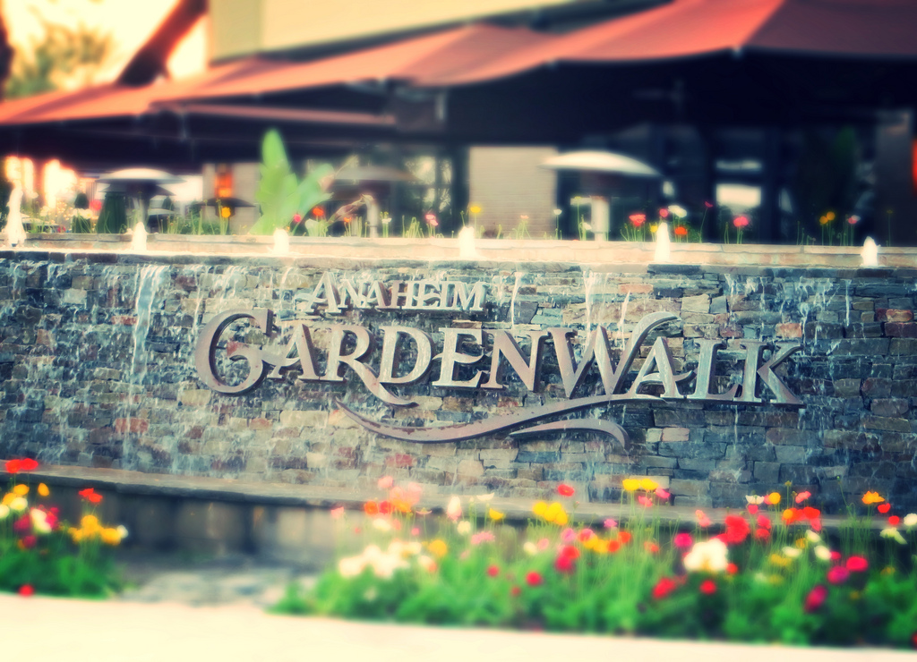 The Garden Walk Anaheim Ca: Staff Picks At Cortona Inn & Suites Anaheim Resort