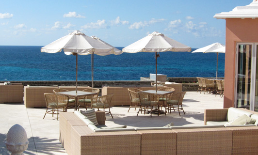 Would you like to have cocktails at the best Bermuda hotel?